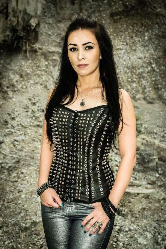 Interview Met CRYSTAL VIPER: Zangeres Marta Gabriel Praat Over Nieuw Album
